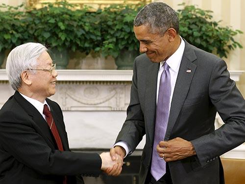 Tổng Bí thư Nguyễn Phú Trọng và Tổng thống Mỹ Barack Obama có cuộc gặp gỡ báo chí ngày 7-7  Ảnh: REUTERS