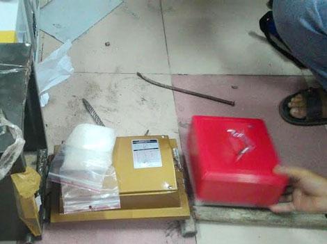 Lượng ma túy trên 700 gram được lấy ra từ trong 6 két sắt điện tử. Ảnh: CAND