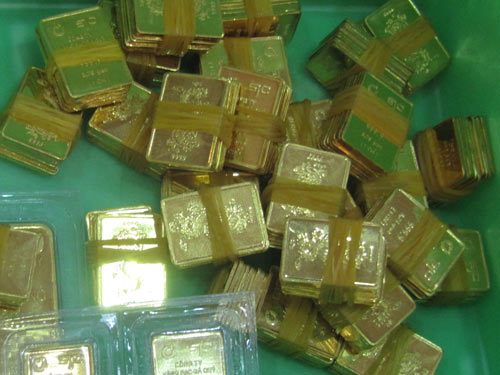 Giá vàng bắt đầu đợt giảm kéo dài suốt nhiều tháng qua, đã rơi khỏi mốc 34 triệu đồng/lượng. Ảnh: T.P