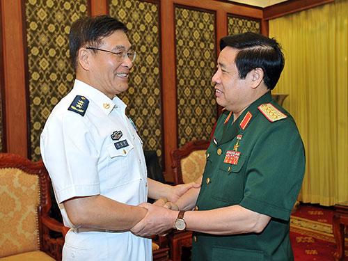 Đại tướng Phùng Quang Thanh tiếp Thượng tướng Tôn Kiến Quốc chiều 10-8  Ảnh: TTXVN