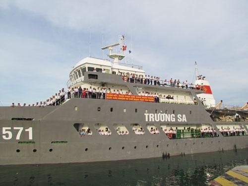 Chuyến tàu HQ-571 đưa hàng Tết ra Trường Sa