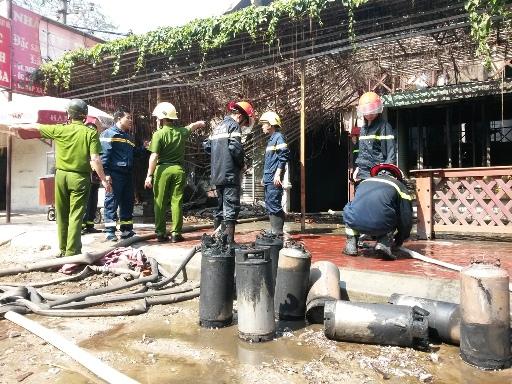 Lực lượng chữa cháy làm nhiệm vụ