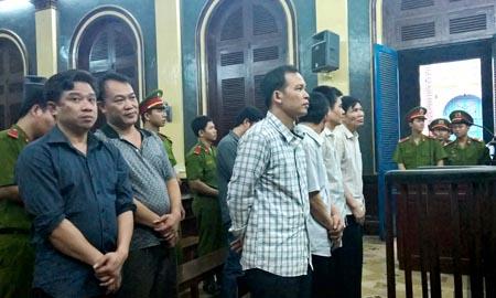 Nhóm cở bạc gian lận hầu tòa sơ thẩm