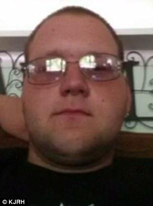 Garrett Brown, 24 tuổi, người cha của 2 con. Ảnh: KJRH