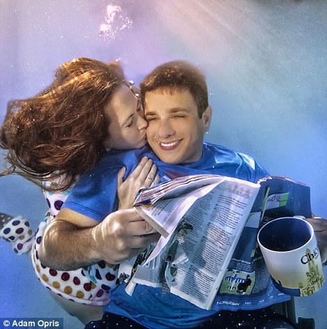 Lãng mạn những bức ảnh đính hôn dưới nước