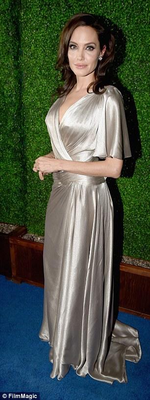 Angelina Jolie, Jennifer Aniston cùng dự giải tiền Oscar