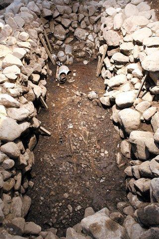 Ngôi mộ cổ vừa được tìm thấy ở Hàn Quốc