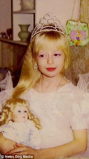 Ảnh Valeria Lukyanova lúc nhỏ