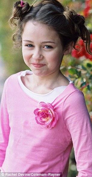 Miley Cyrus đẹp thánh thiện ở tuổi 11