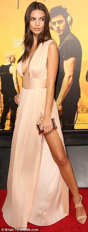 Người mẫu kiêm nữ diễn viên người Mỹ Emily Ratajkowski