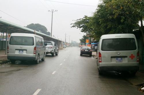 2 chiếc xe công của Vĩnh Phúc và Nam Định tại Đền Bảo Lộc, xã Mỹ Phúc