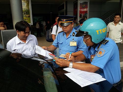 Xử phạt một tài xế taxi Uber
