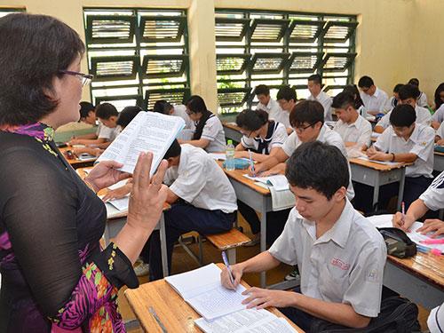 Học sinh Trường THPT Hùng Vương trong giờ học văn. (Ảnh chỉ có tính minh họa) Ảnh: TẤN THẠNH