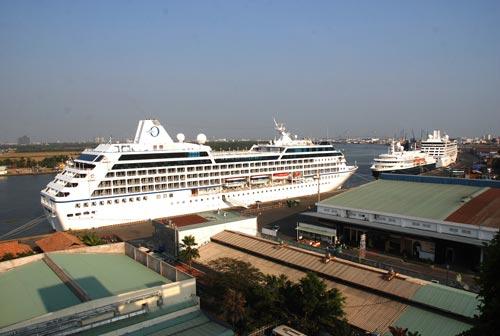 Bộ trưởng Bộ Giao thông Vận tải cho rằng phải có đầu mối thống nhất để quản lý cảng hiệu quả hơn. Trong ảnh: Cảng Sài Gòn Ảnh: TẤN THẠNH