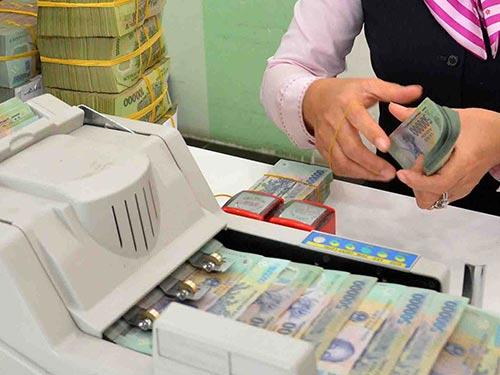 Ngân hàng Nhà nước nên giảm thêm các mức lãi suất điều hành, tạo điều kiện cho hệ thống ngân hàng thương mại có thêm nguồn vốn giá rẻ hỗ trợ sản xuất - kinh doanh Ảnh: TẤN THẠNH