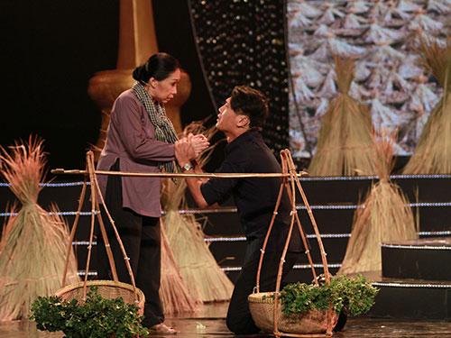 Nghệ sĩ Đàm Loan - Quang Tuấn - Diễm Phương qua trích đoạn vở kịch Cõng mẹ đi chơi