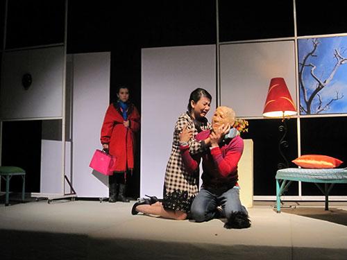 Cảnh vở Gương mặt kẻ khác diễn tại Nhà hát Sân khấu nhỏ TP HCM Ảnh: THANH HIỆP