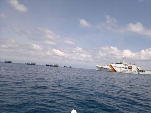 Tàu kiểm ngư Việt Nam làm nhiệm vụ ở Trường Sa Ảnh: Lương Duy Cường