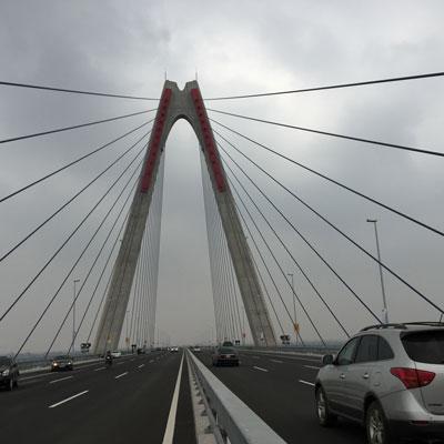 Cầu Nhật Tân trong ngày thông xe