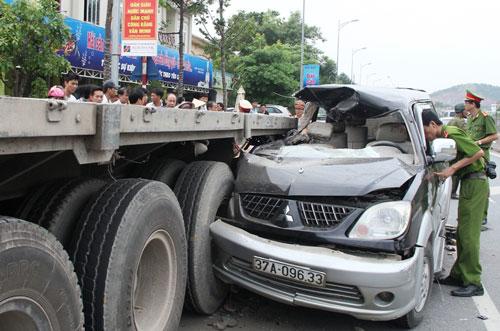 Vụ tai nạn ở Thanh Hóa làm 3 người chết Ảnh: tuấn Minh
