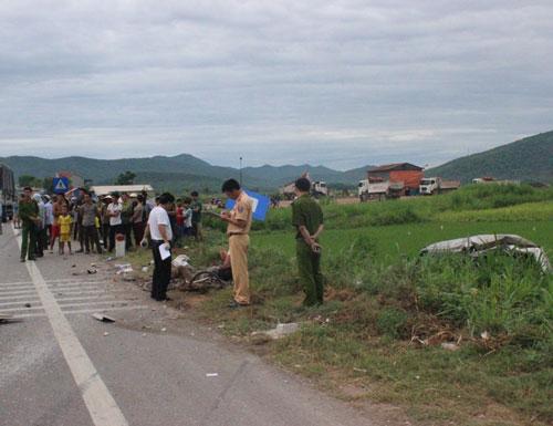 Vụ tai nạn làm người đi xe đạp tử vong ở tỉnh Nghệ An Ảnh: Đức Ngọc
