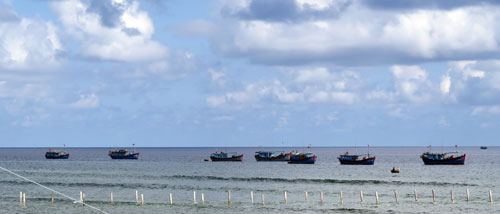 Ngư dân khai thác hải sản tại ngư trường Trường Sa thuộc chủ quyền Việt NamẢnh: QUANG LIÊM