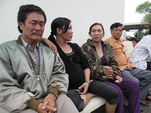 Gia đình đau khổ trước cái chết của Trần Thị Hải Yến trong nhà tạm giữ Công an huyện Tuy An, tỉnh Phú Yên