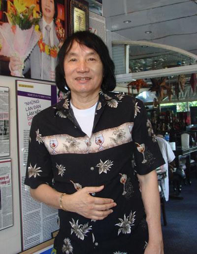 Nghệ sĩ Ưu tú Minh Vương tại nhà riêng