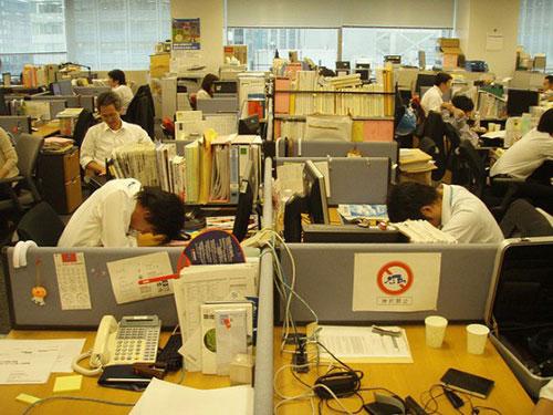 Nhiều người lao động Nhật Bản ngại nghỉ phép vì công việc quá nhiều  Ảnh: Rocket News24