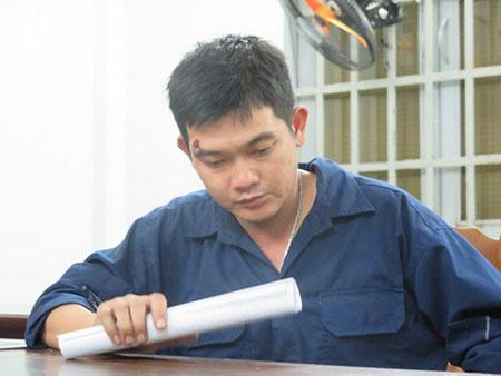 Đỗ Thanh Tú tại cơ quan công an