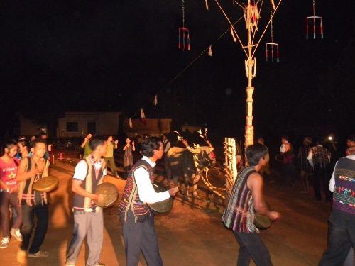 Những điệu chiêng là nghi lễ bắt buộc trước khi vào nghi lễ chính thức