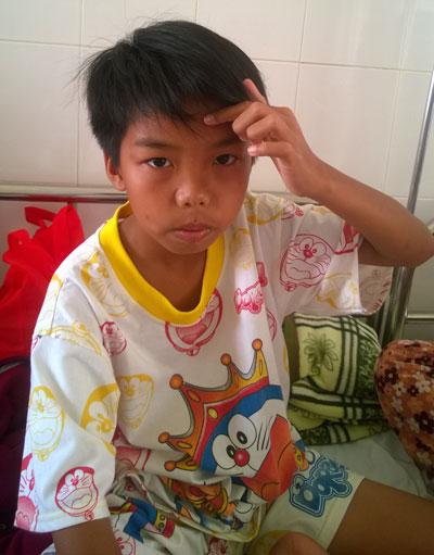 Em Ngô Hoàng Hải điều trị tại Bệnh viện Đa khoa tỉnh Cà Mau ngày 20-3