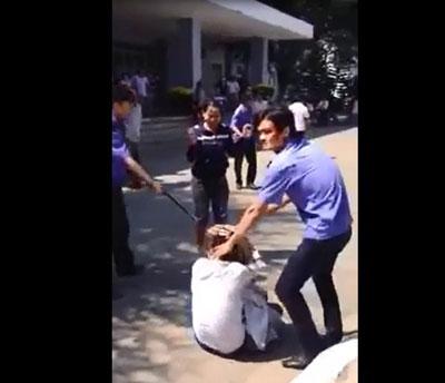 Hình ảnh được cắt từ clip quay tại Bệnh viện Đa khoa Quảng Ngãi