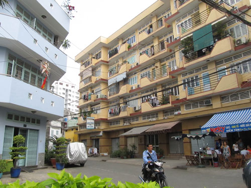 Người dân tại dự án khu nhà ở thu nhập thấp và tái định cư phường 7, quận Bình Thạnh (do Công ty TNHH MTV Dịch vụ công ích quận Bình Thạnh làm chủ đầu tư) gần 10 năm vẫn chưa được cấp GCN