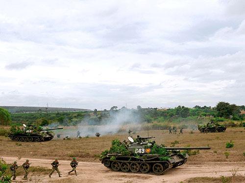 Cán bộ, chiến sĩ Quân đoàn 3 huấn luyện sẵn sàng chiến đấu Ảnh: Lê Quang Hồi - Hồng Sơn