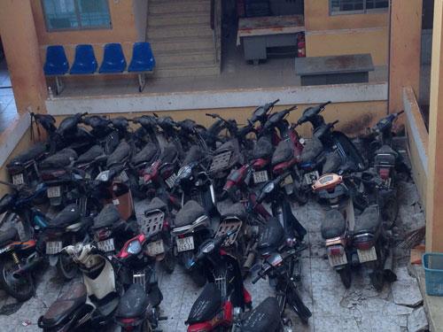 Đối với những xe máy vi phạm, nếu chủ sở hữu không đến nhận thì sẽ được bán đấu giáẢnh: QUÝ HIỀN