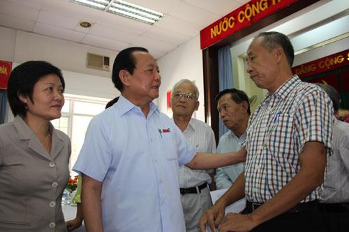 Bí thư Thành ủy TP HCM Lê Thanh Hải tiếp xúc cử tri quận 5 vào sáng 11-5