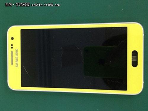 Mẫu smartphone cao cấp Galaxy S6 rò rỉ trên một số trang công nghệ của Trung Quốc.