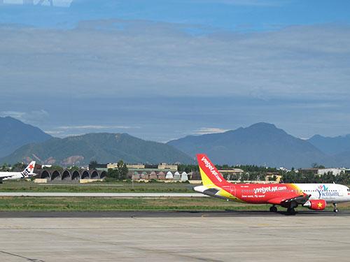 Hãng hàng không VietJet thiệt hại nặng vì có máy bay va chạm với chim trời