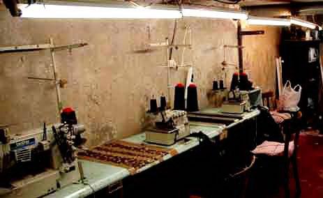 Một xưởng may lậu của người Hoa ở quận 10, Paris - Pháp Ảnh: LE POINT