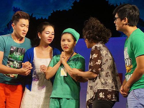 Cảnh trong vở 49 ngày yêu, tác phẩm đoạt Giải Mai Vàng 2014 Vở diễn sân khấu được yêu thích nhất Ảnh: THANH HIỆP