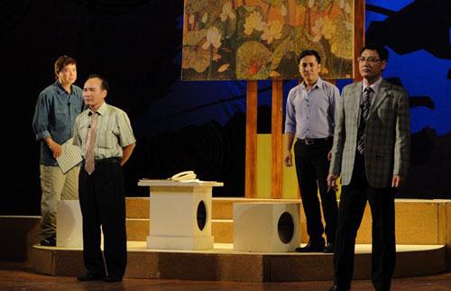 """Cảnh trong vở """"Nắng quái chiều hôm"""" của tác giả Nguyễn Đăng Chương (Cục trưởng Cục Nghệ thuật Biểu diễn) - người có nhiều kịch bản được các đơn vị dàn dựng nhất cuộc thi Ảnh: CTV"""