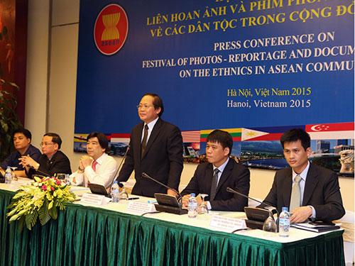 Thứ trưởng Bộ TT-TT Trương Minh Tuấn tại buổi phát động