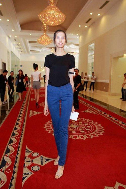 """Thí sinh Hồng Xuân tại vòng sơ tuyển """"Vietnam's Next Top Model 2015"""" đang thành tâm điểm tranh cãi của công luận. (Ảnh do chương trình cung cấp)"""