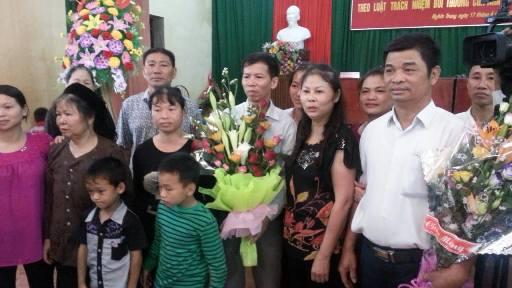 Ông Chấn và người thân