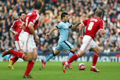 Sergio Aguero trở lại nhưng vẫn chưa thể ghi bàn