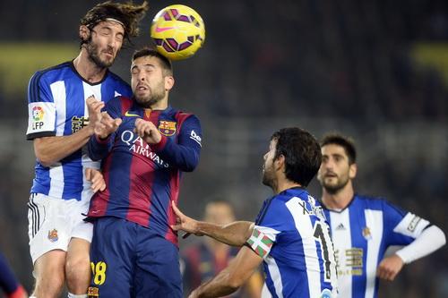 Jordi Alba trở thành tội đồ trong thất bại ngày đầu năm của Barcelona