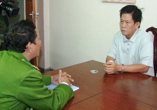 Công an Hà Tĩnh lấy lời khai của Trần Văn Nhứt