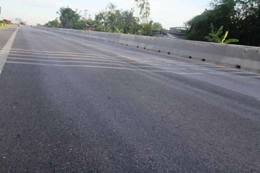 Một số điểm hằn lún trên quốc lộ 1A đoạn qua Nghệ An