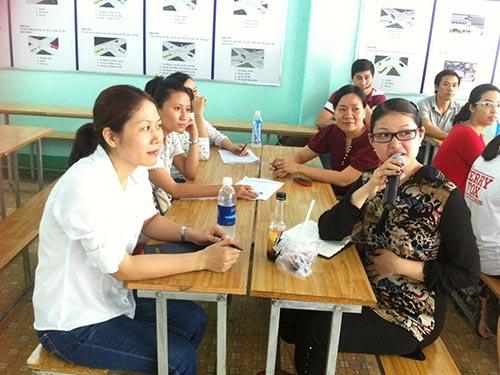 """Người lao động tham gia khóa đào tạo """"Nghiệp vụ bán hàng"""" do Báo Người Lao Động và Trung tâm Giới thiệu việc làm TP HCM tổ chức"""